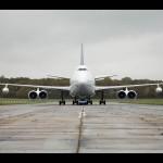 2007-Volkswagen-Touareg-tows-Boeing-747-Front-Far-Away-1280x960